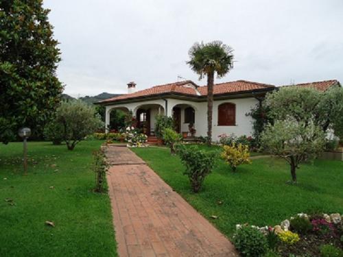 Camaiore Villa For Sale
