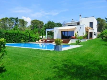 Fabulous modern villa for sale in Mougins