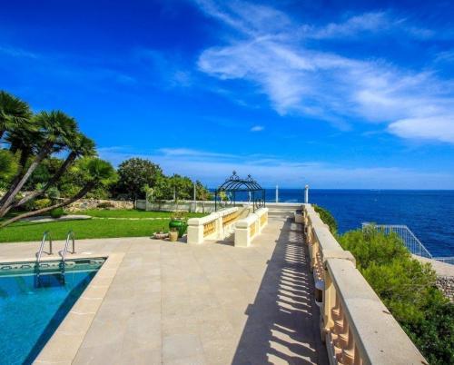 Fabulous villa for sale in Cap d'Ail