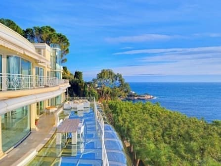 Luxury seafront villa for sale in Cap d'Ail