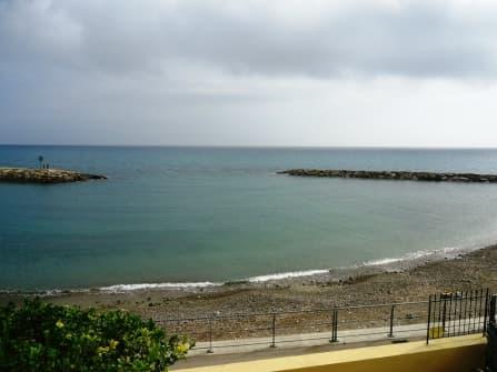 Вилла у самого моря в Санто Стефано аль Маре