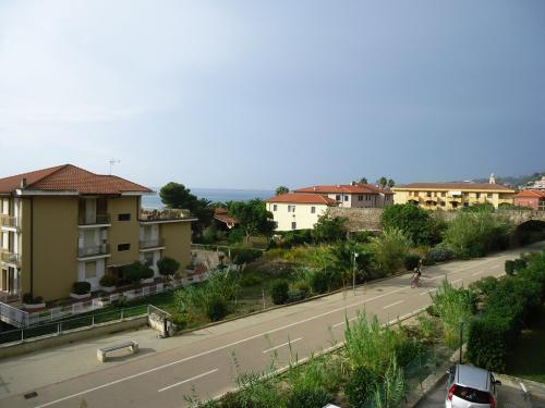 Santo Stefano al Mare Apartment Sea View