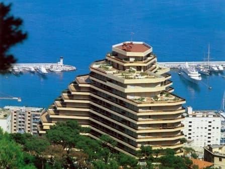 Элитная квартира с видом на море в Монако