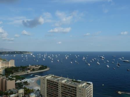 Квартира у моря на продажу в Монако