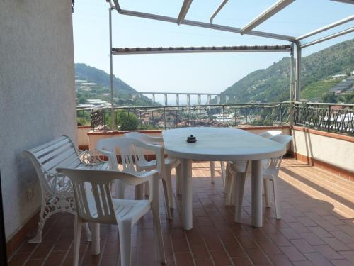 Vallecrosia,apartment in villa for sale