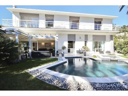 Fabulous villa in Cannes Basse Californie