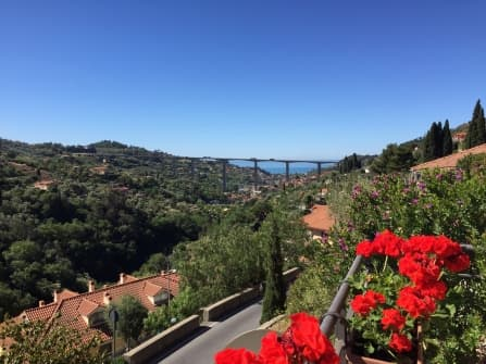 Vallebona Apartment With Garden