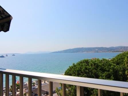 Fabulous sea view apartment in Juan les Pins