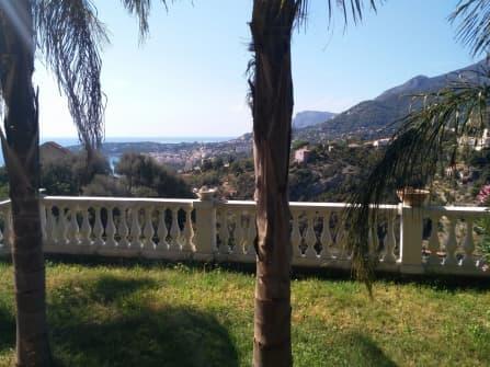 Trilocale vista mare con giardino a Mentone