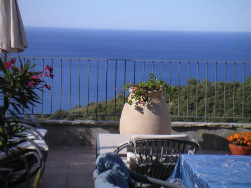 Camporosso apartment seaview for sale