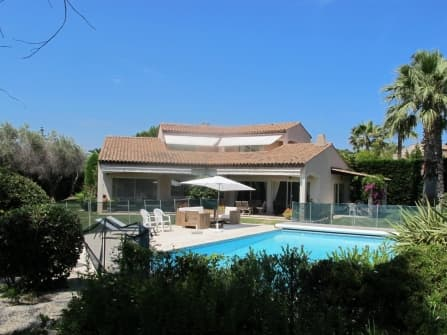 Provence villa for sale in Cap d'Antibes