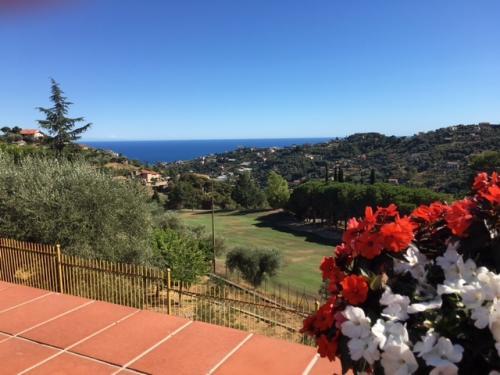 Sanremo Villa mit Meerblick zu verkaufen