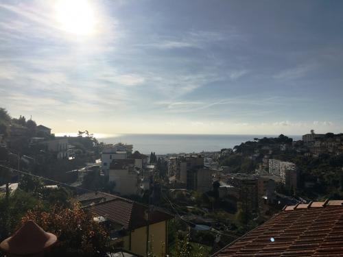 Sanremo appartamento vista mare in vendita