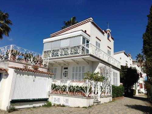Sanremo villa for sale Sea View