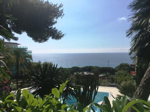 Sanremo Wohnung zum Verkauf mit Garten