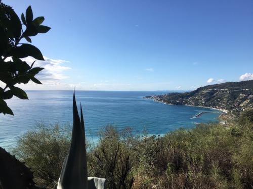 Sanremo Villa mit herrlichem Meerblick zu ver