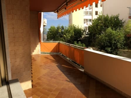 Sanremo apartment with garden for sale