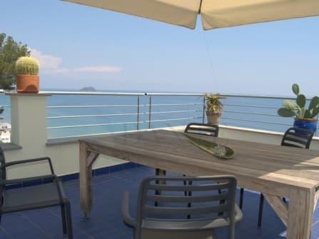 Вилла в Алассио с видом на море на продажу