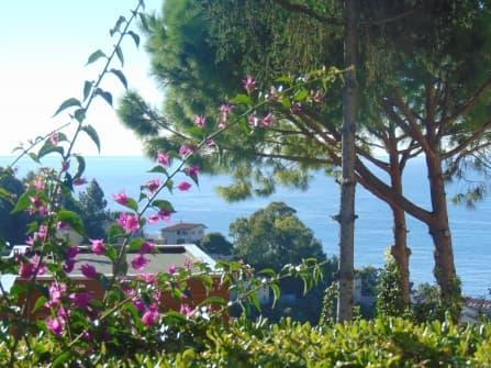 Вилла в Оспедалетти с видом на море