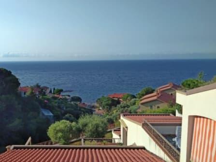 Квартира в Оспедалетти с видом на море