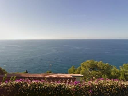 Вилла с прекрасным видом на море в Андоре