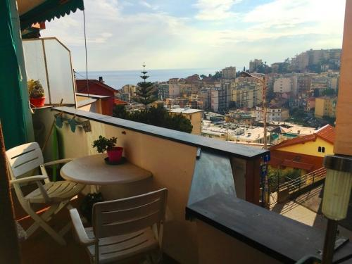 Sanremo Meerblick und Parkplatz zum Verkauf