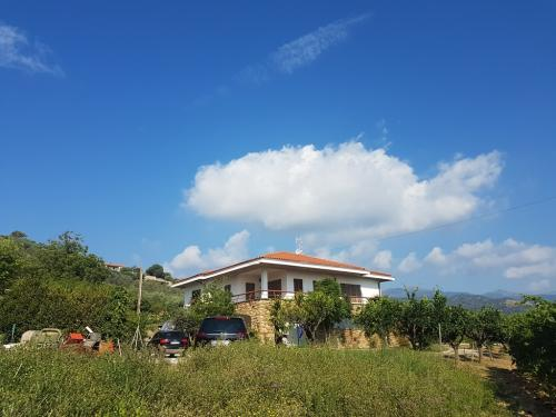Costarainera Villa et Terrain en Vente
