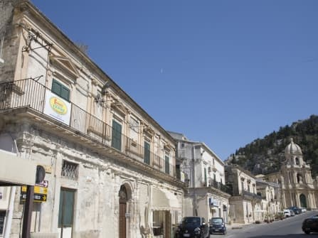 Historical palace in Scicli for sale