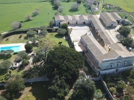 Nobiliar villa with private chapel