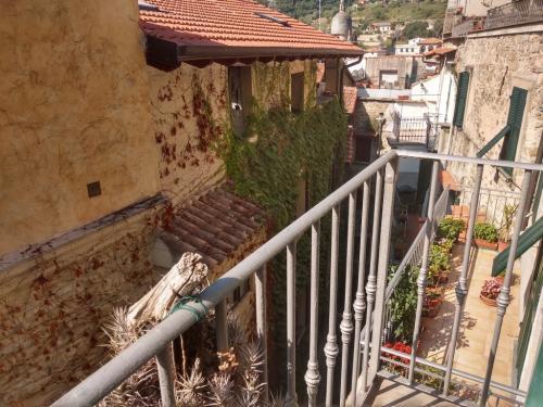 Dolceacqua vente maison avec terrasses