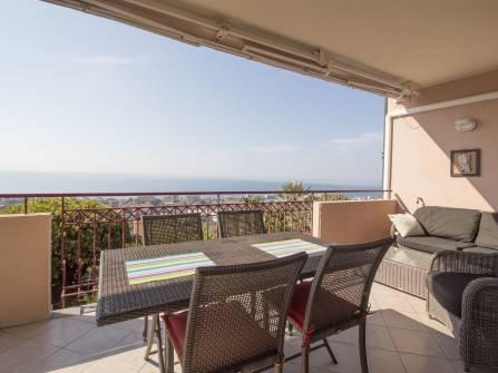 Квартира с видом на море в Бордигере