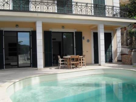 Appartement vue mer en vente à  Bordighera