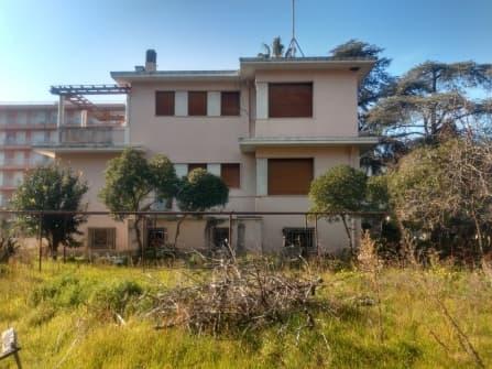 Villa Bordighera à vendre dans la zone centra