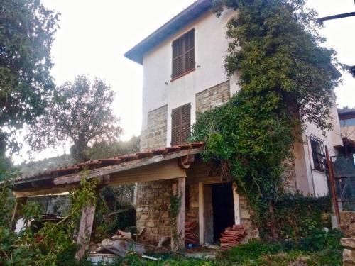 Apricale casa indipendente in vendita
