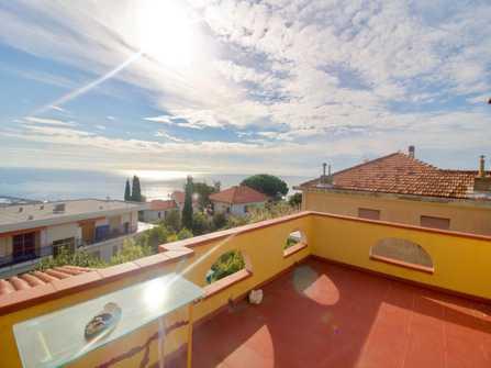 Villa vista mare a Sanremo