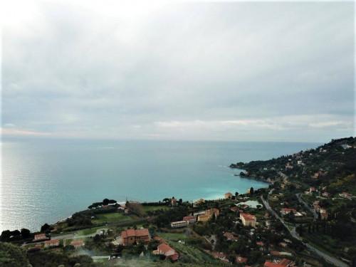 Вентимилья продажа квартиры с видом на море.