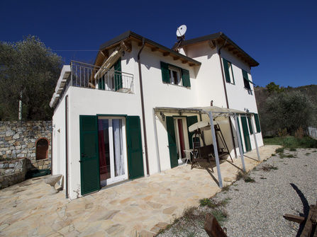 Dolceacqua villa for sale with sea and mounta...