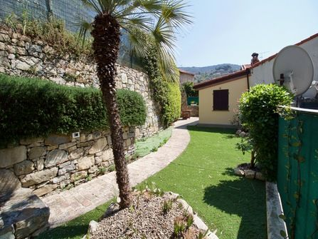 House For Sale in Vallebona