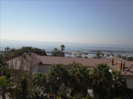 Sea view villa for sale in San Remo