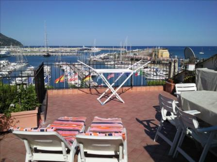 Imperia, penthouse in fronte of the sea for s...