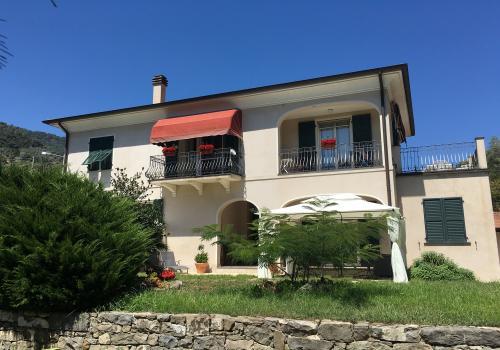 Isolabona Villa