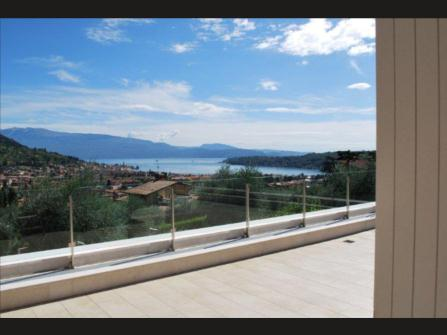 Озеро Гарда в Сало Италия продажу виллу