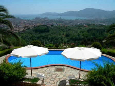 Sea view villa for sale in La Spezia