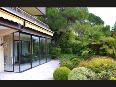 Эз апартаменты с садом и видом на море
