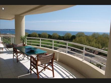 Антиб Жуан-ле-Пен апартаменты с видом на море
