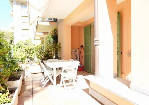 Квартира в Бордигере с частным садом