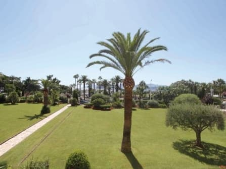 Modern apartment for sale in Cannes