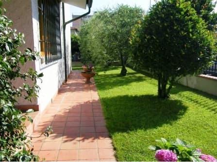 Вилла в Тоскане на продажу Лукка
