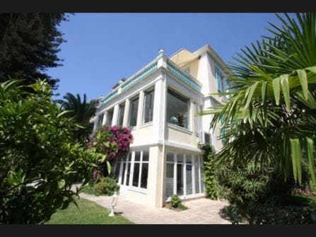 Beaulieu-sur-Mer Villa Belle Époque for sale