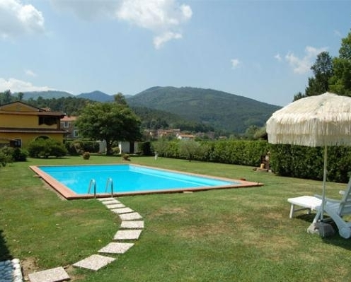 Lucca, villa for sale